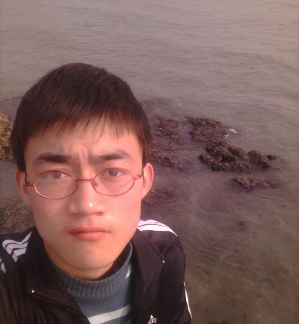 吕海龙照片
