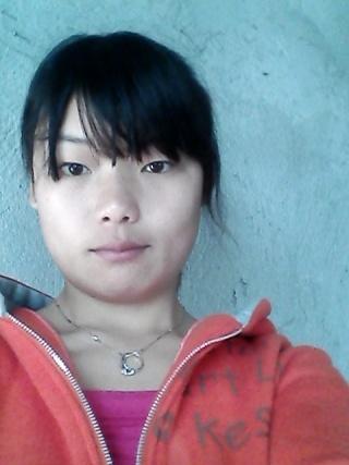 农村的小女孩