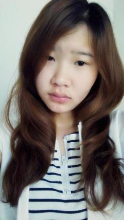 尹萱照片图片