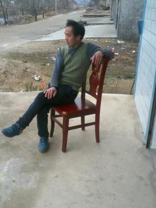 孤独寂寞男生图片