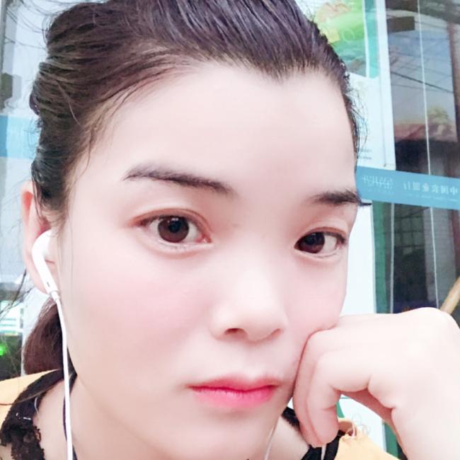 皇甫青云照片