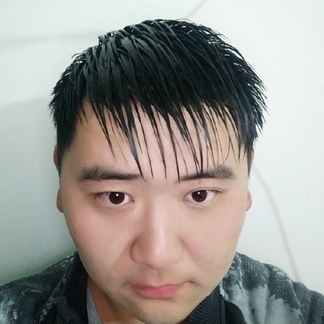 陈新民照片