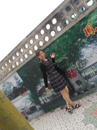卓妍欧式木雕镂空电视背景墙